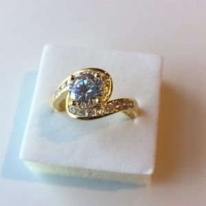 Stamped 18KGf yellow gold filled 2CT Topaz Size 9